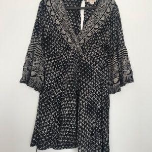 Black/white printed Billabong wrap dress- M